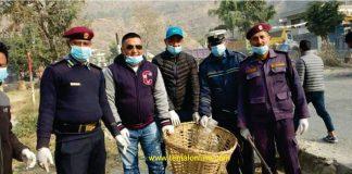 मंगलटारबजार सरसफाईमा जुटे जनप्रतिनिधि, प्रहरी र जनता
